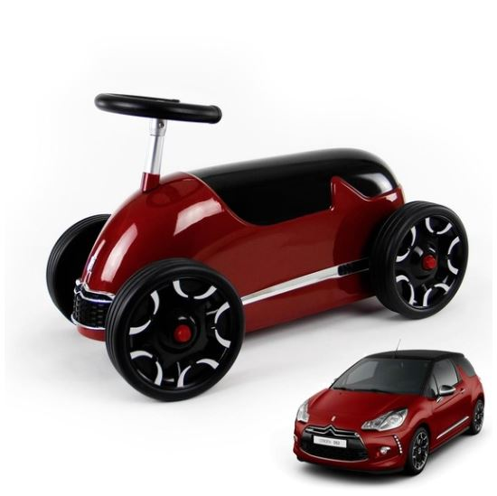 820 Baghera Citroen DS Red Ride On Car 003